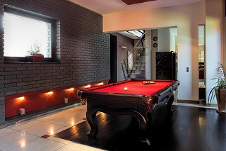 professional pool table refelting in Oakland content img2
